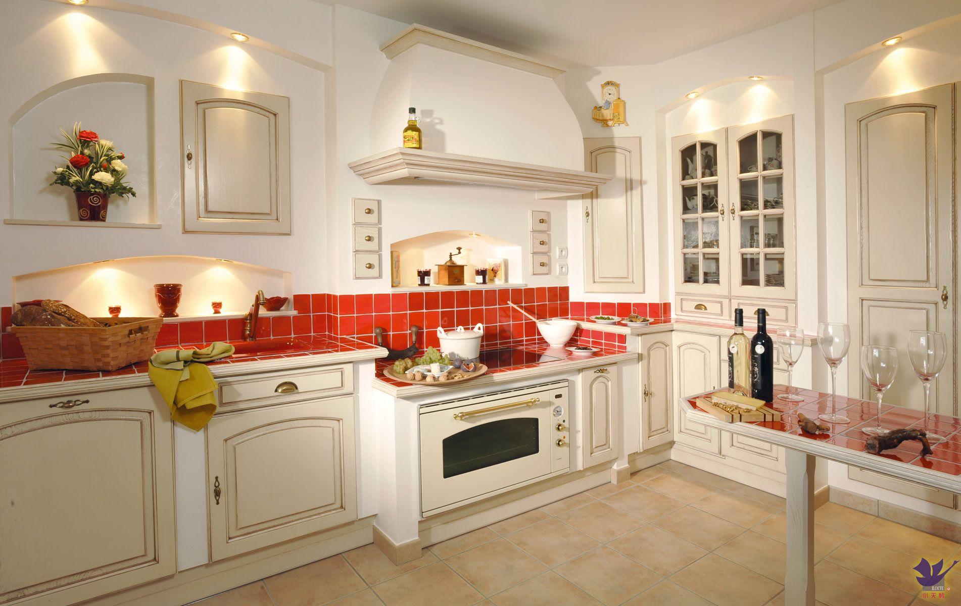 欧式风格 整体橱柜 集成厨房 小天鹅整体橱柜